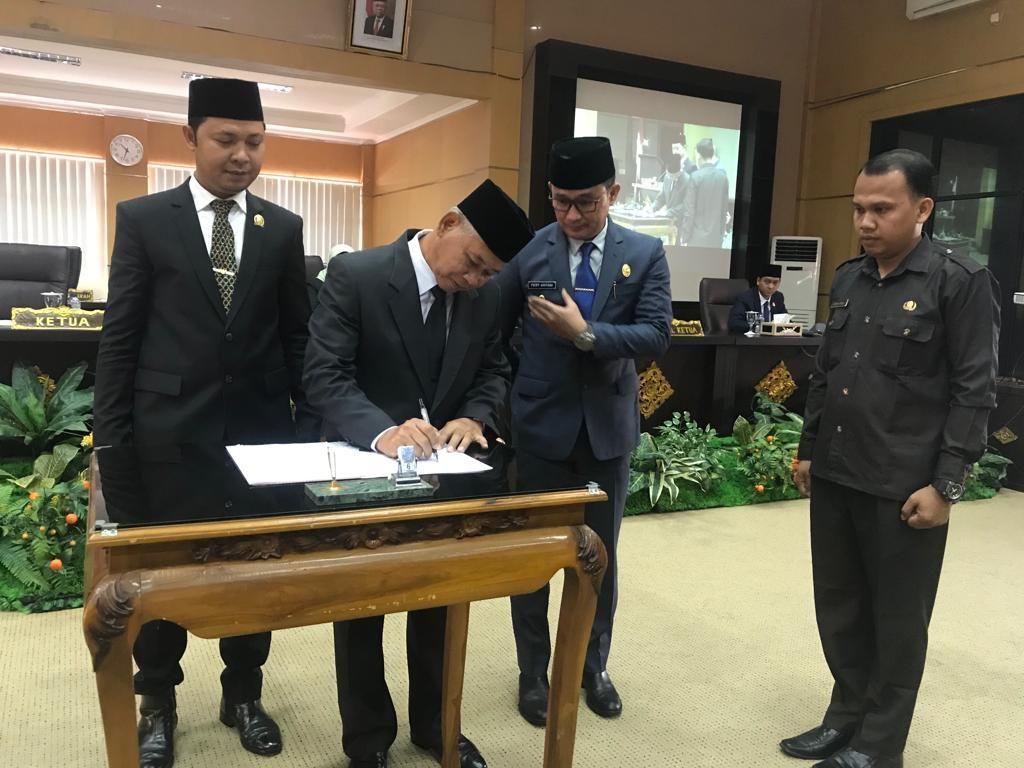 Persetujuan RAPBD 2020   Ogan Komering Ulu Timur